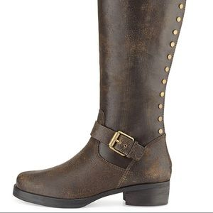 Tory Burch Tarulli distressed brown boot